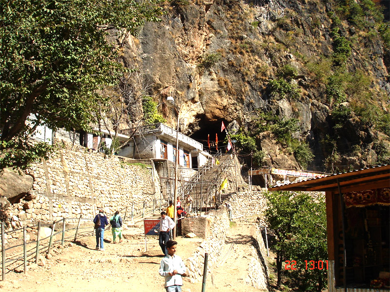 vaishno devi helicopter with Shiv Khori on Vaishno devi yatra tourist guide further Helicopteros additionally Robinson To Install Bladder Fuel Tanks On New R22 Helicopters moreover 20140703 together with Shiv Khori.